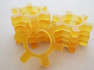 Шестеренки из желтой резины